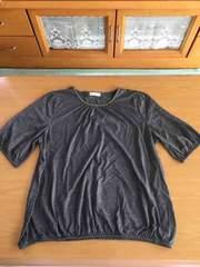 新品!!シルバー糸が綺麗なチャコールグレー半袖Tシャツ!