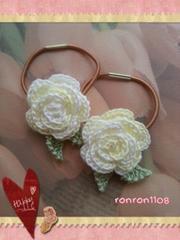 ハンドメイド/手編み♪レース編みお花のヘアゴム2個セット 553