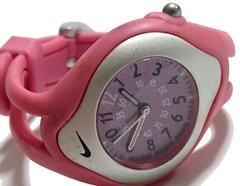 良品 1スタ★NIKE ナイキ キッズ・流線型のスポーツ腕時計★