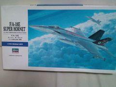 ʾ��� 1/72 F/A-18E ���߰ ΰȯ�