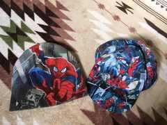 スパイダーマンニットとキャップ