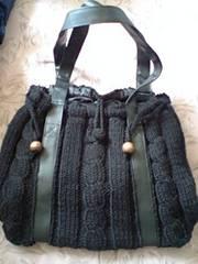 ケーブル編み肩掛けバック黒