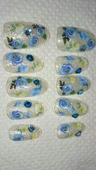 送料込青い花ネイル