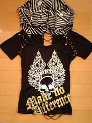 d.i.aダイア羽翼ドクロスカルメタリックゴールドペイント編み上げフードTシャツ