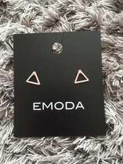 EMODA/三角△ピアス/PK