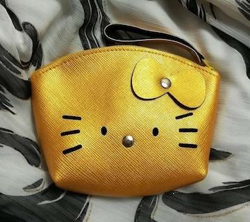 モバオクで買える「キティ★合皮ポーチ★小銭入れ★アーチ型★イエローゴールド★」の画像です。価格は500円になります。