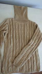 リブ編み,ケーブル編み タートルネックセーターキャメルM