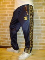 【新品】チャンピオンアニマル柄切り替えジャージパンツ黒×金M♪24KARATS