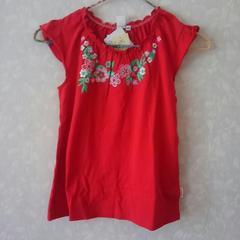 新品♪オシュコシュ♪お花刺繍のノースリT シャツ♪ディープレッド♪美品140