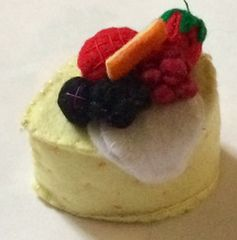 フェルト製 ベリーのレアチーズムースケーキ