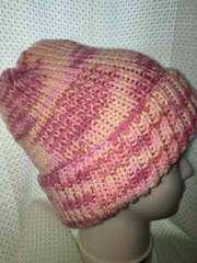 手編みニット帽子 ピンク系マーブル