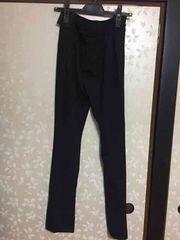 セオリー新品シンプル黒パンツ