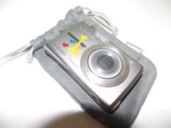 美品 OLIMPUSFE−220D 7.1 デジタルカメラ