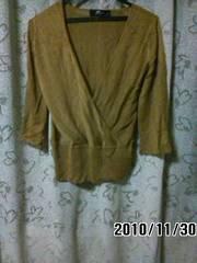 薄手のセーター