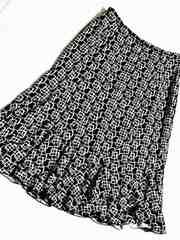 ★美品エレガントな幾何学模様膝下フレアスカート