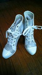 ★新品★ショートブーツ★サイズ24cm/カラー白★キラキラ