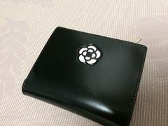新品未使用クレイサスCLATHAS二つ折り財布カメリアウォレット