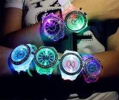 お買い得650円★Geneva レインボーLED腕時計 黒保証付