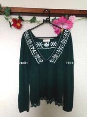 ウェアーズ グリーン 刺繍 可愛い ニット セーター フリーサイズ