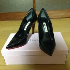 DIANA(ダイアナ)ポインテッドエナメルパンプス21,5�p黒美品