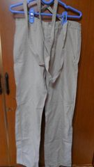 �B吊り紐の付いたパンツ