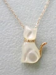 K18PG☆可愛い幸運の白猫☆ダイヤ