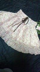 新品未使用LIZLISA小花柄シフォンミニスカート/ベージュ/オフホワイトリズリサ