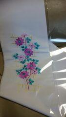 新品、白地に花刺繍柄の半衿、紫
