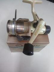 QUANTLM・LONGSTROKEライト スピニングリール リアードラグ付新品未使用品