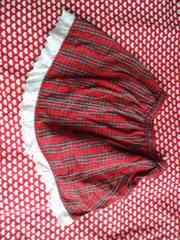 赤チェック柄スカート