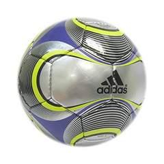送料無料『adidas』5号サッカーボール1個3000円以上の品が