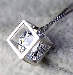 新品 1円〜 ★送料無料★ Silver925 輝くダイヤモンド キューブペンダント