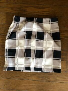 LIP SERVICEスカート