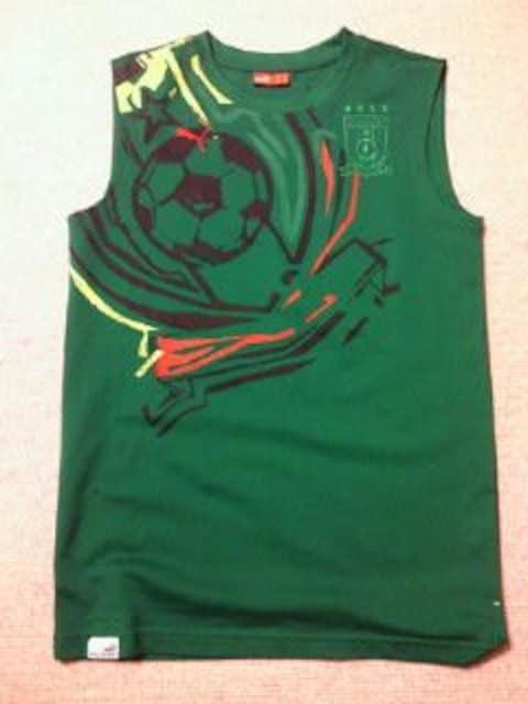 PUMA プーマ サッカー カメルーン 代表 デザイン ノースリーブ シャツ グリーン Sサイズ < 男性ファッションの