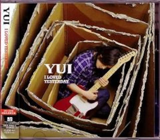 YUI☆I LOVED YESTERDAY☆初回盤☆美品 < タレントグッズ