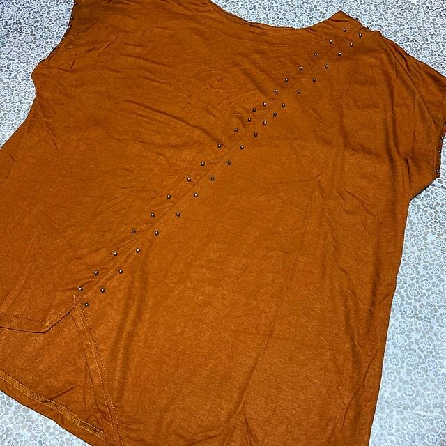 カットソー Tシャツ スタッズ ブラウン 半袖 大きいサイズ < 女性ファッションの