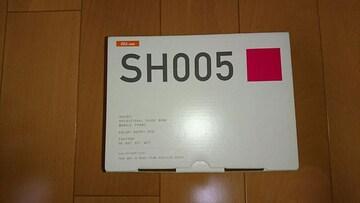 au・SH005・ベリーレッド。オークション購入品。新品。ご理解ある方。