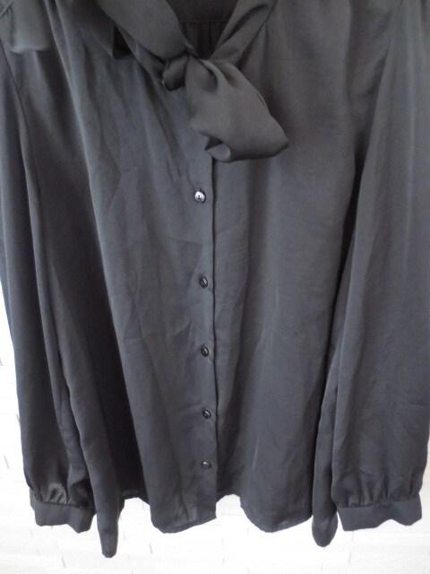 美品 Vis 光沢素材 ボウタイリボン 長袖ブラウス 黒 M < ブランドの