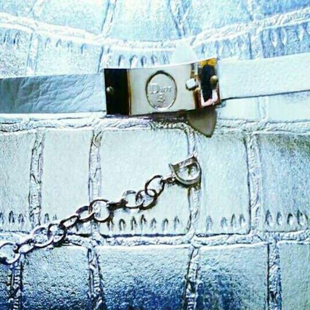 新品 Dior ディオール チョーカー ネックレス アクセサリー 白 < ブランドの