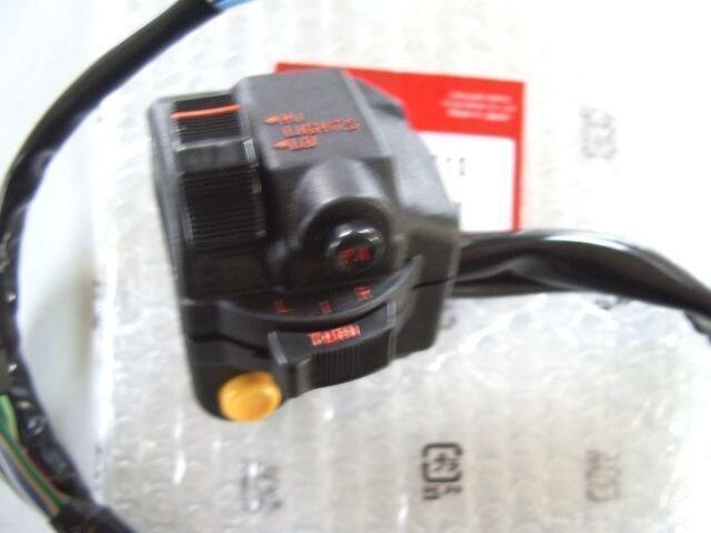 (55)CBX400F用左右ハンドルスイッチ新品H1 < 自動車/バイク