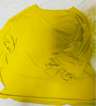 袖のフリルが可愛いカットプルオーバー 送料込み