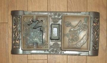 銅色金属製うぐいすと梅の絵タバコケース&灰皿