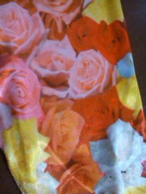 ●BACK ALLEY● 薔薇柄シャツ 100 男女 新タグ付 < ブランドの