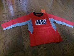 100 NIKE 新品 赤のTシャツ