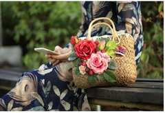 新品 可愛い薔薇造花コサージュ野苺蝶付カゴバッグ