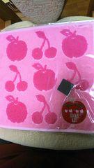 アナスイ タオルハンカチ 新品即決490 さくらんぼ柄 ピンク