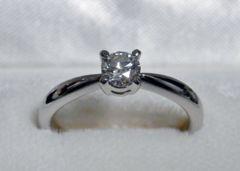■■鑑定書付き、高品質Eカラーの輝くダイヤモンド!