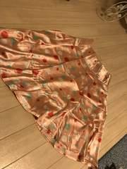 カラフルドット柄サテンスカート