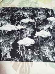 ☆新柄黒×竹林に虎柄手ぬぐい36×100