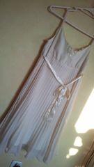 オフホワイト/プリーツキャミワンピース胸元レース美品リボン